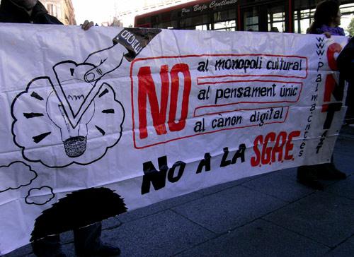 Éxito de la manifestación de CNT contra la SGAE